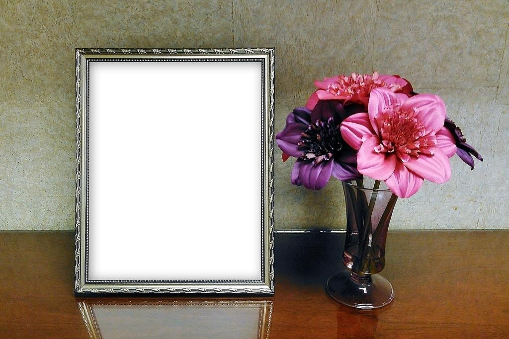 キレイな鏡と花