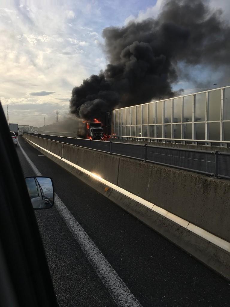 伊勢 湾岸 自動車 道 事故