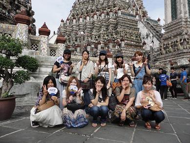 暁の寺院(タイ研修)