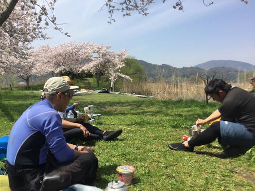 西の湖園地 昼食