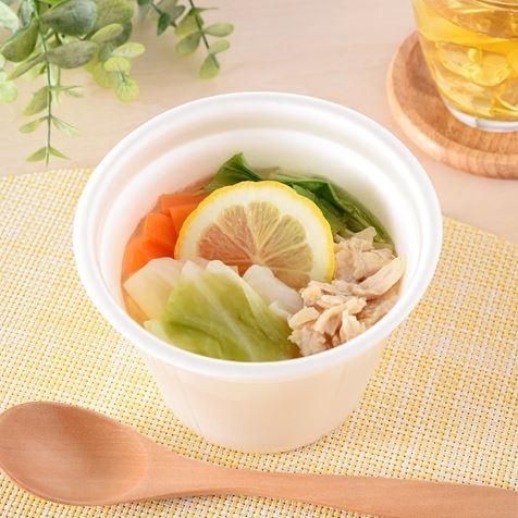 厳選おすすめ蒸し鶏と野菜の塩レモンスープ