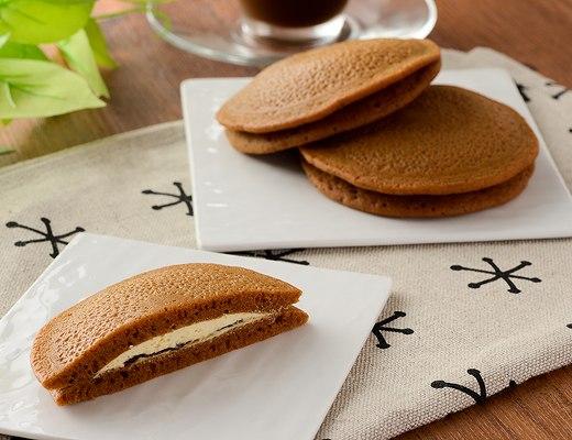 黒糖もちっとパンケーキ 黒蜜&きなこホイップ