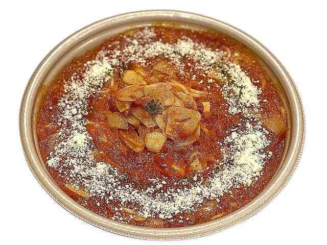 国産にんにくのピリ辛トマトソースパスタ