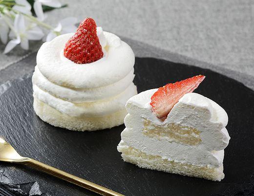 Uchi Café Spécialité 絹白クリームの苺ショート