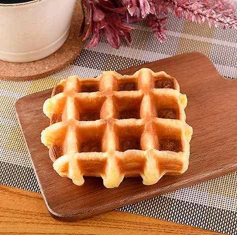 こだわりのワッフル フランス産発酵バター使用