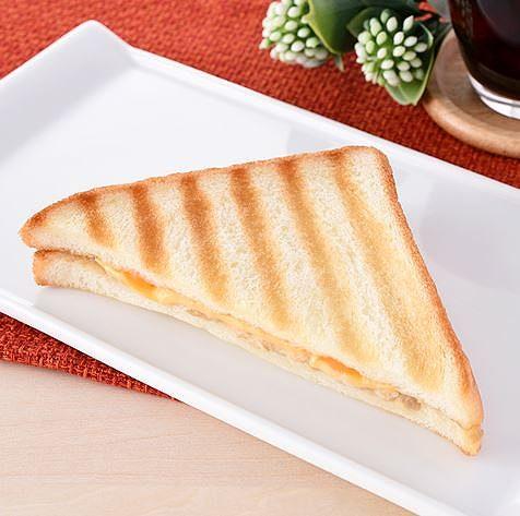 ホットサンド(ツナ&チェダーチーズ)