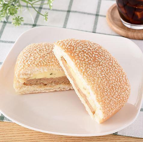 タルタルソースとフライドチキンのパン