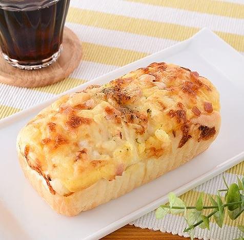 チーズオニオンブレッド