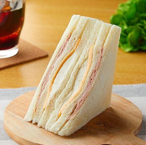 3種のチーズのサンド
