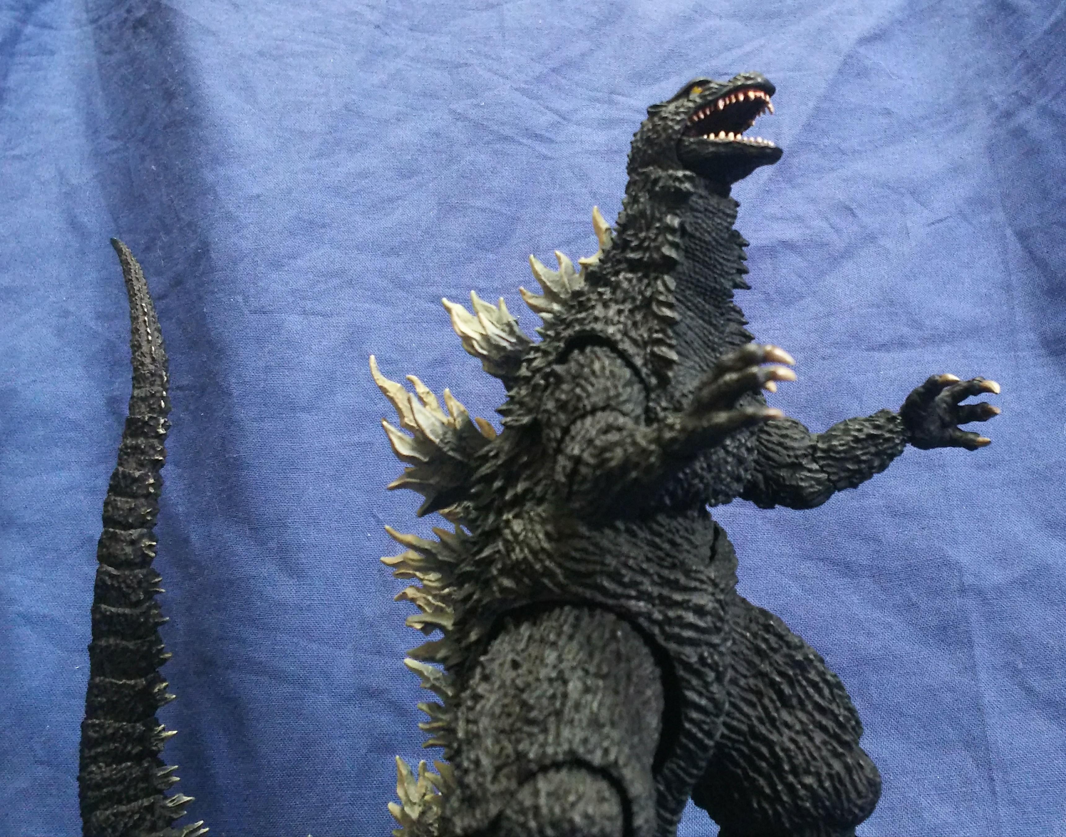 ゴジラ 2002;S.H.MonsterArts レビュー , ミッシェルの日常