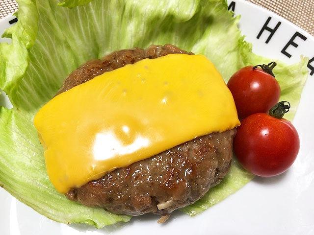 定番チーズハンバーグ