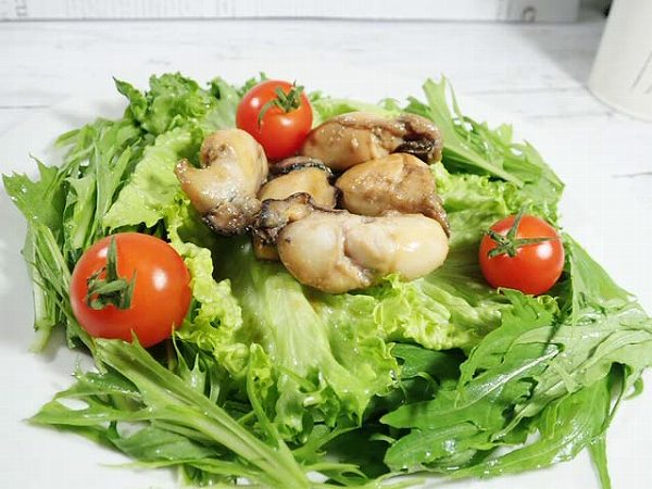 カキの水菜サラダ