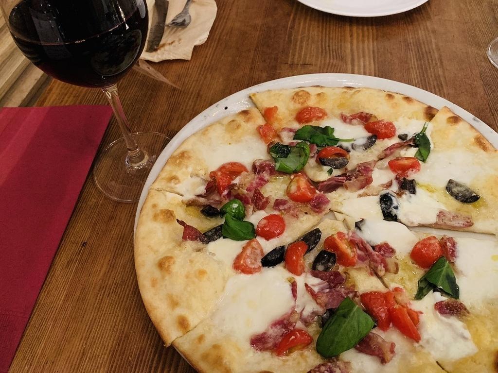 水牛モッツァレラチーズを使ったピザ:ペポリ