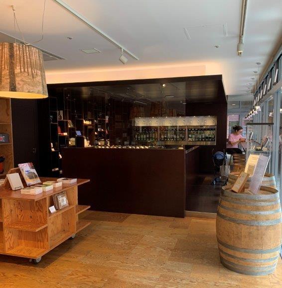 YATSUGATAKE Wine house