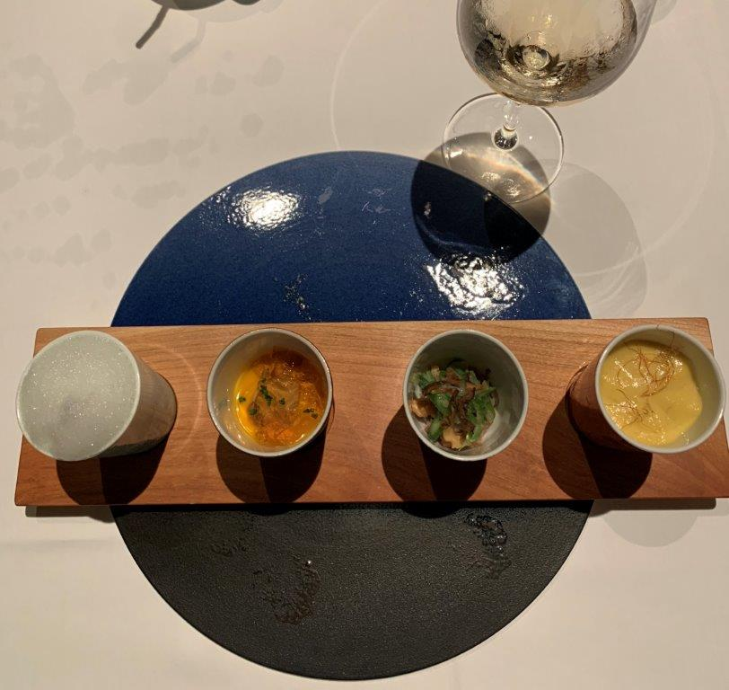 OTTO SETTEの料理と白ワイン