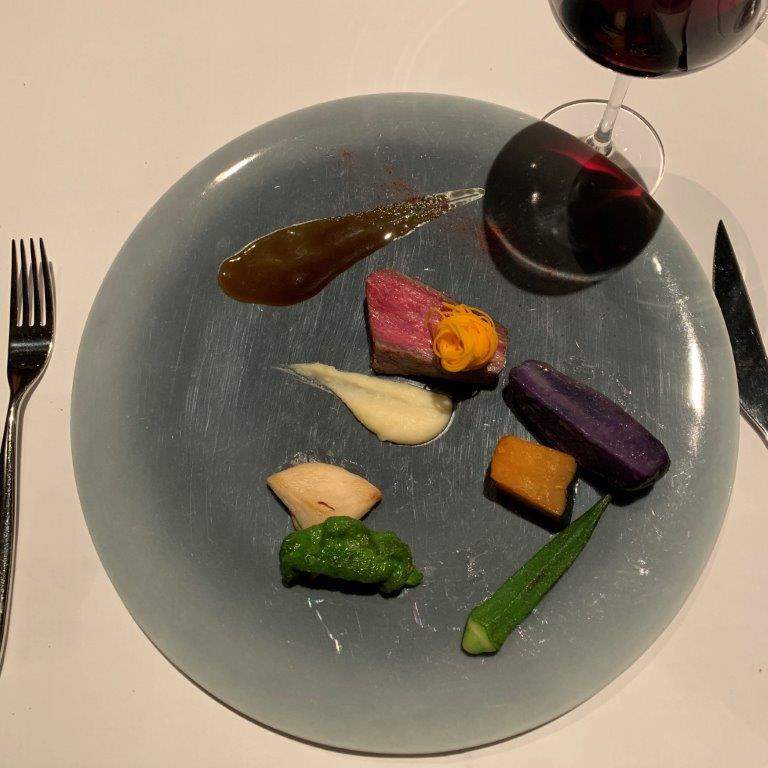 OTTO SETTEの料理と赤ワイン