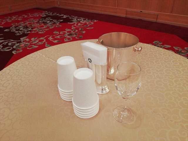 ホテルオークラ博多 オークラマルシェ テーブル
