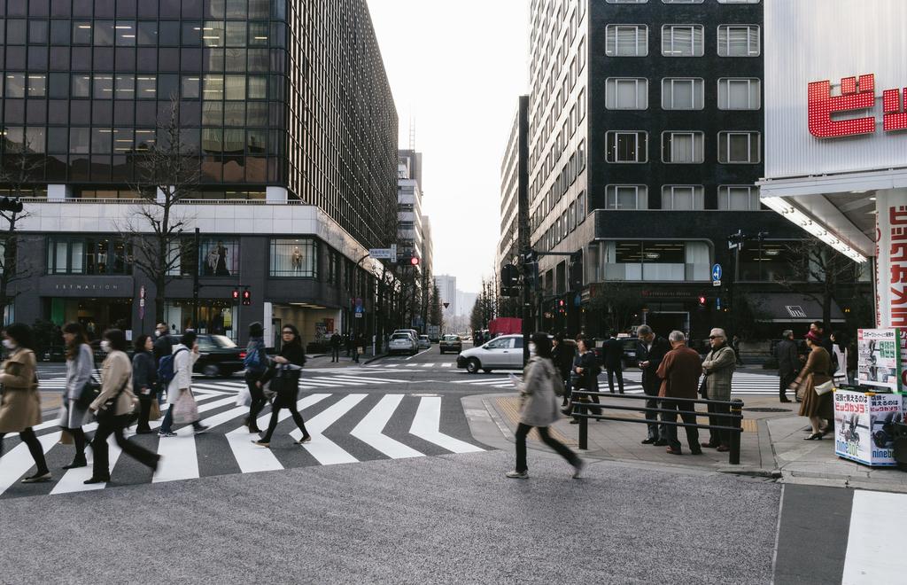 交差点と人々