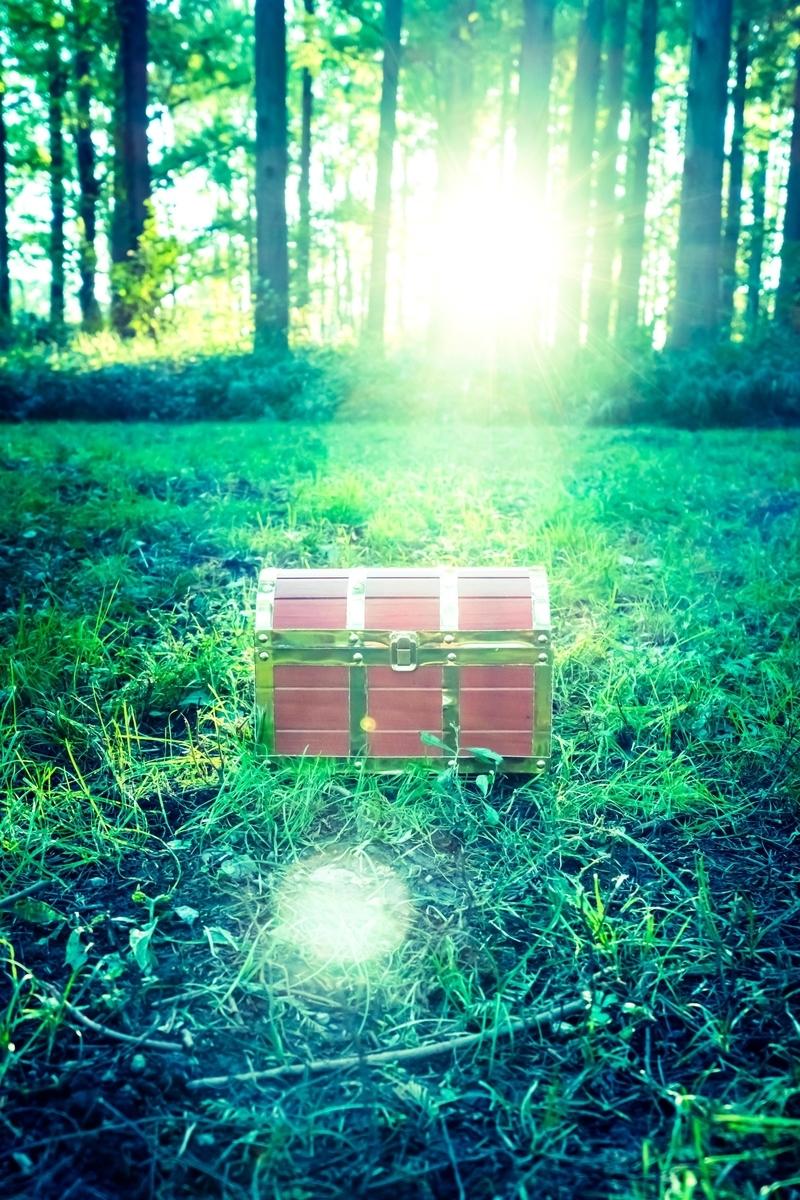 エンディング前の宝箱のフリー画像(写真)