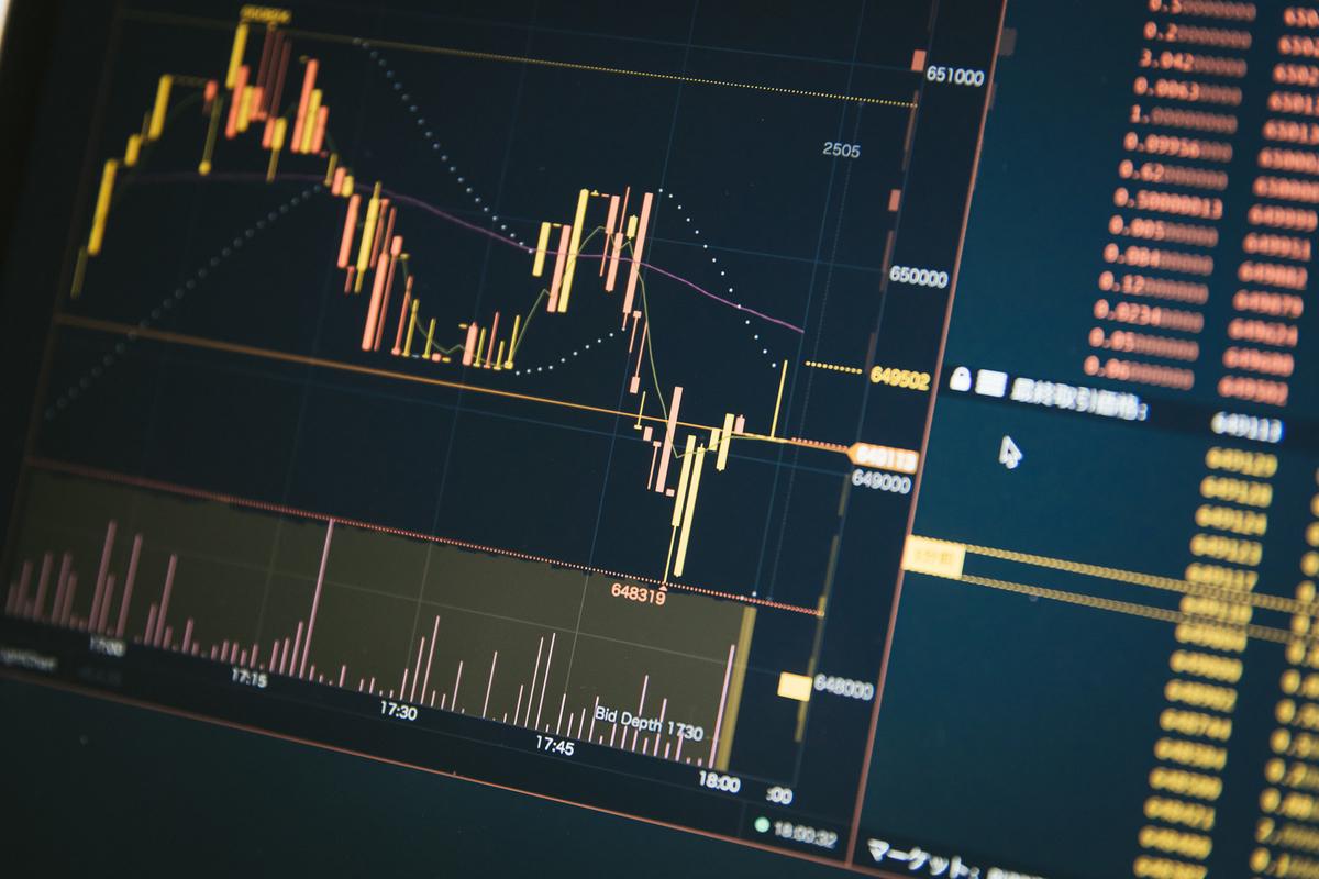 仮想通貨のチャートのフリー素材(写真)
