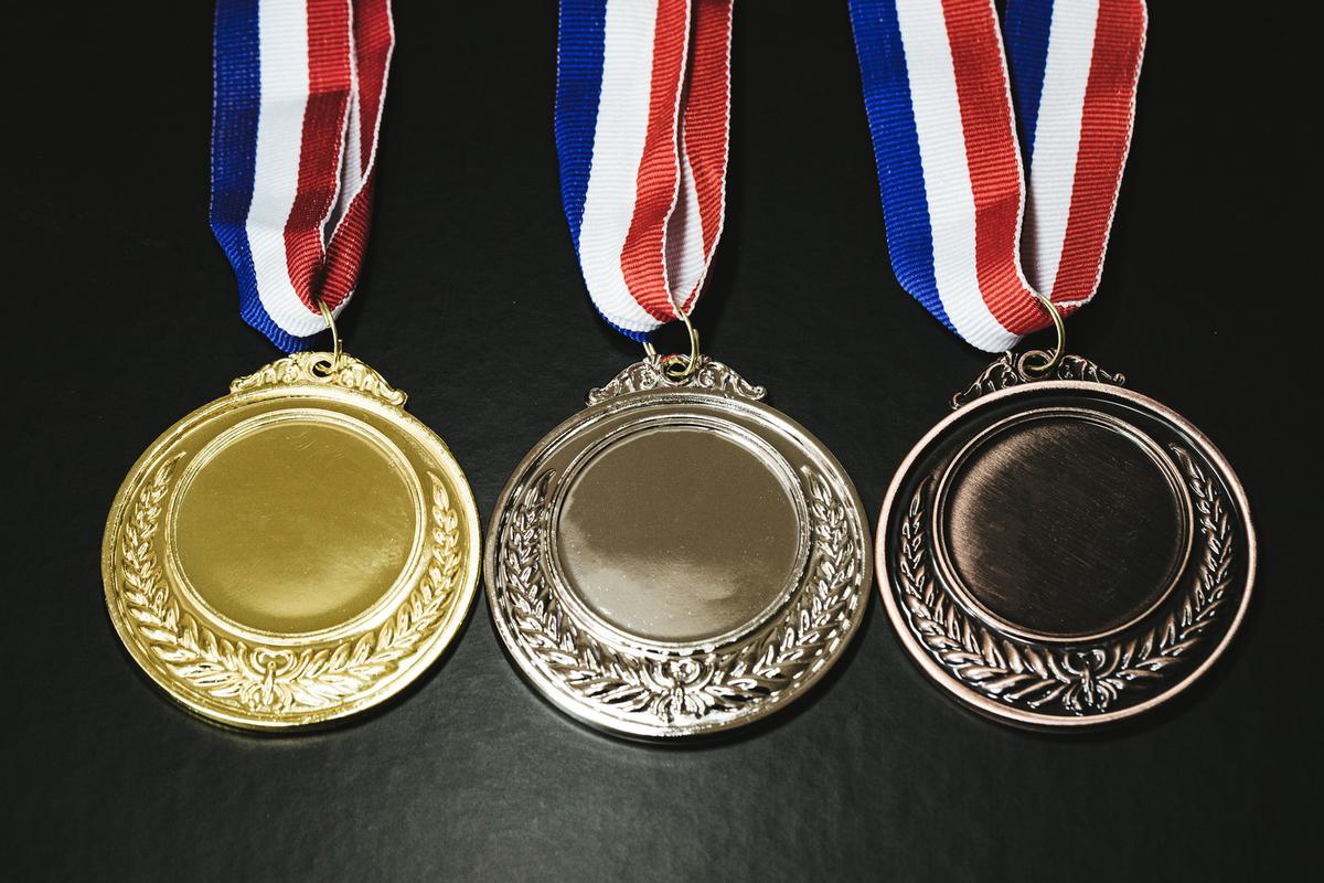 金銀銅メダルのフリー素材(写真)