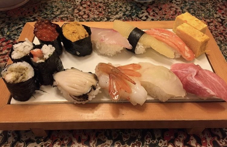 むつ市、秀寿司のおまかせ特上