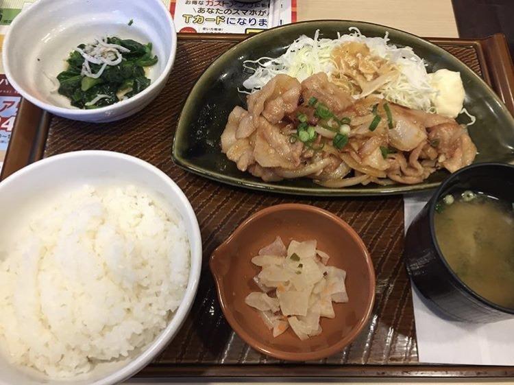 ガスト、豚肉の生姜焼き和膳