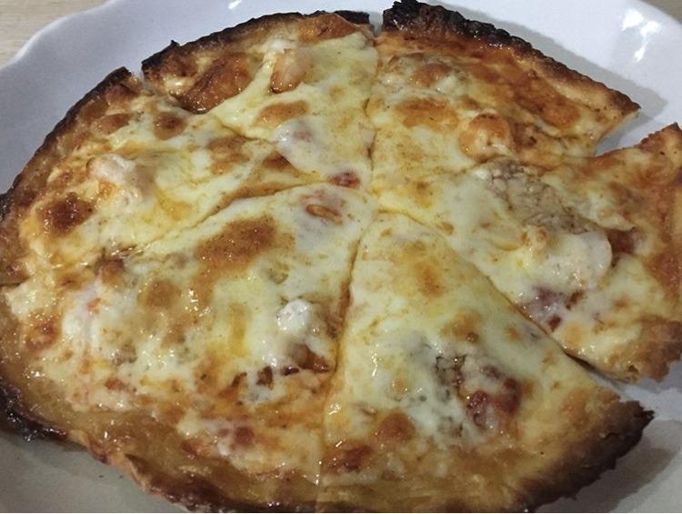 むつ市サライのシーフードピザ