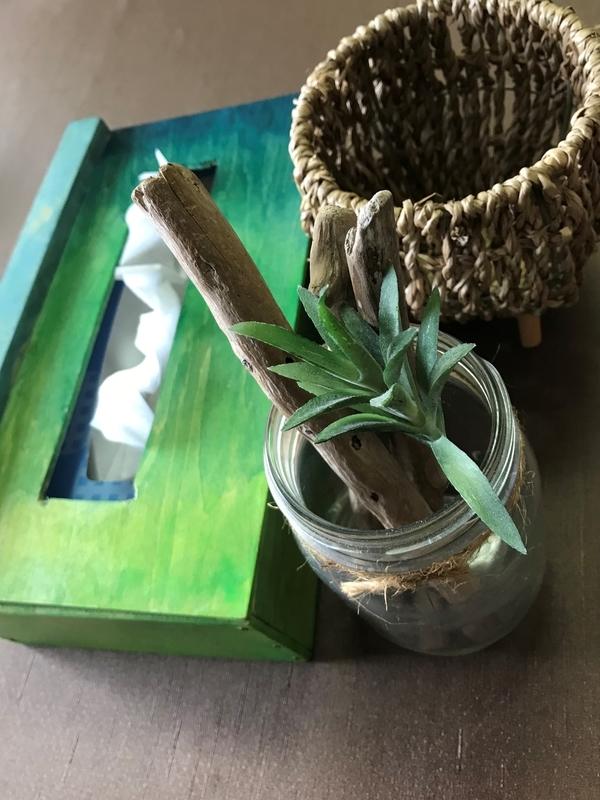 瓶と流木のインテリア