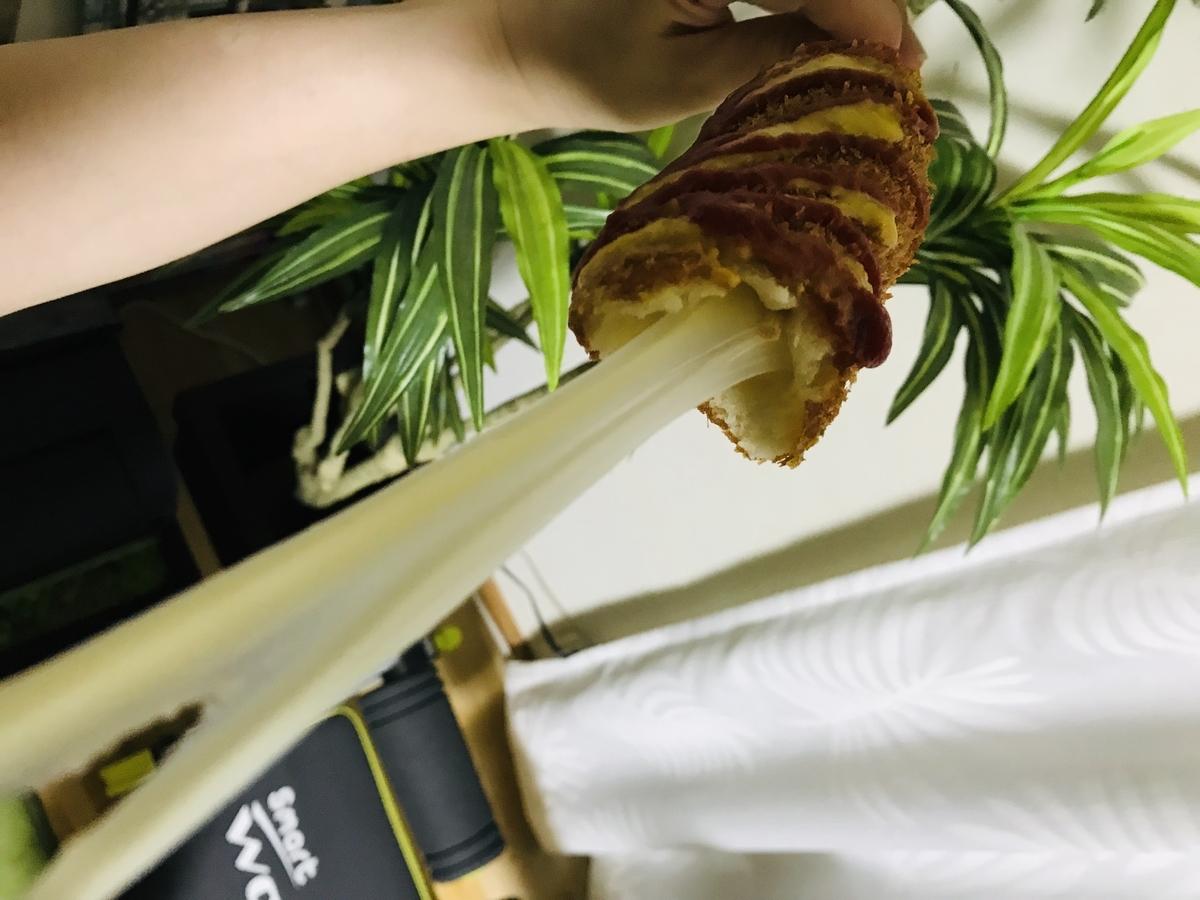 チーズハットグの伸び~るチーズ