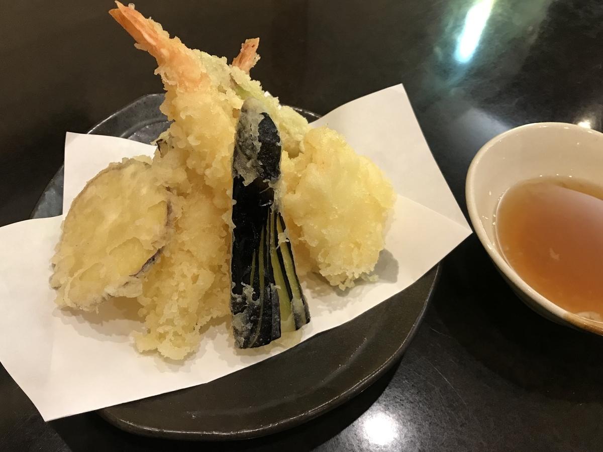 むつ市、金寿司の天ぷら盛合わせ