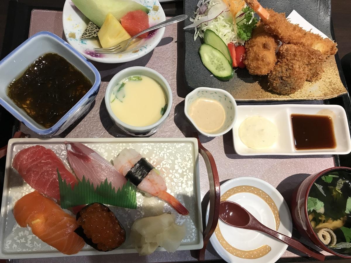 八戸市、俵屋のミックスフライ定食