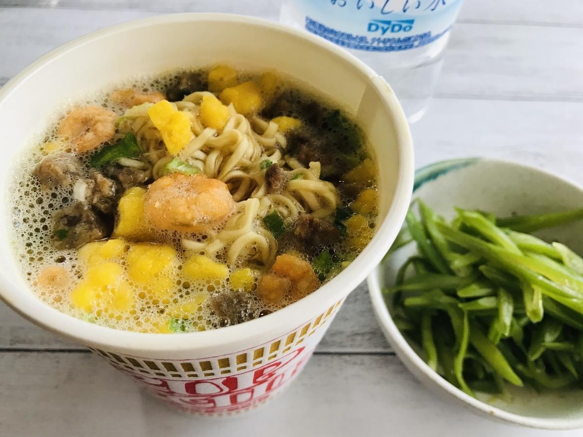 日清カップラーメン&ササゲの油炒め