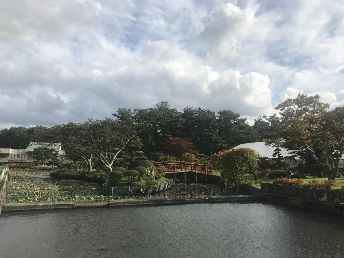 平内町、夜越山公園の池