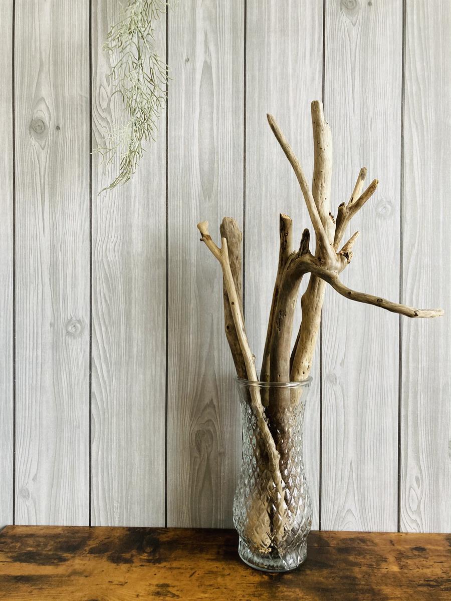 流木とダイソーのインテリア