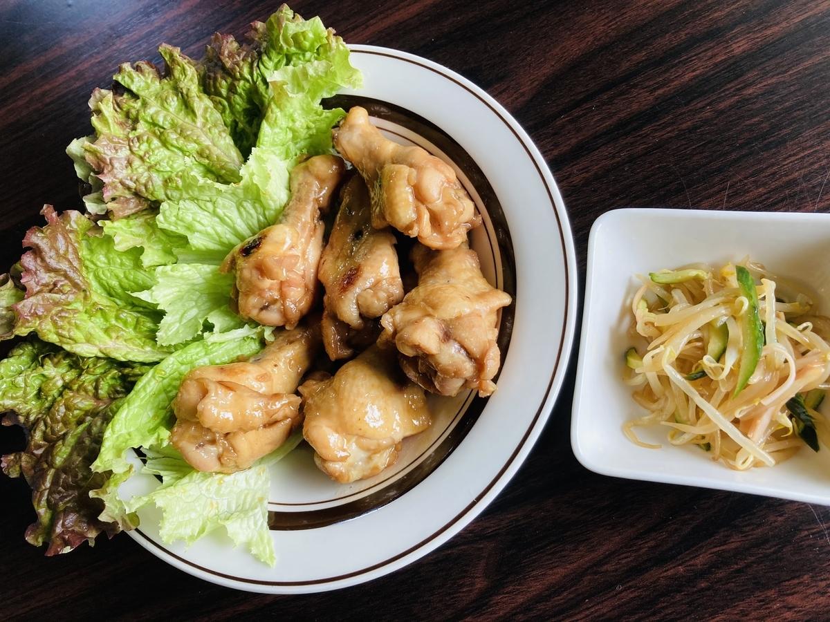 手羽元の甘辛うま煮ともやしの中華サラダ