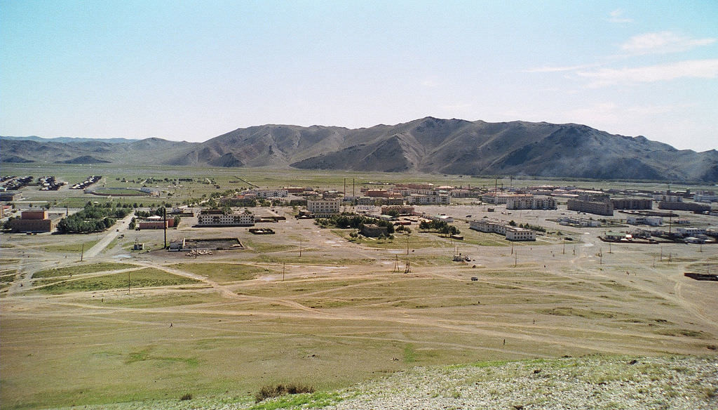 モンゴルのどこかの県都