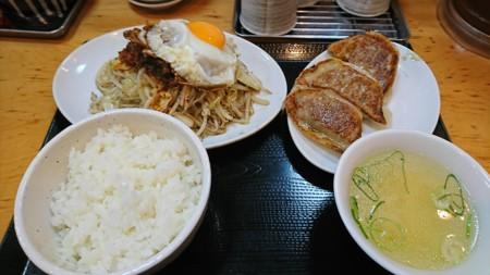 5/8 夜 野菜炒め定食@台湾ぎょうざ