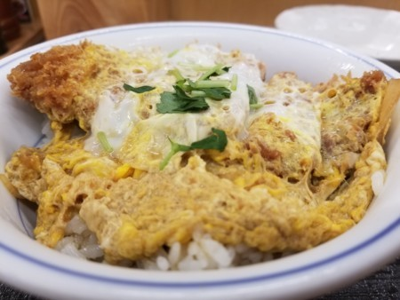 2017/10/5 夜 カツ丼(梅)とサラダ