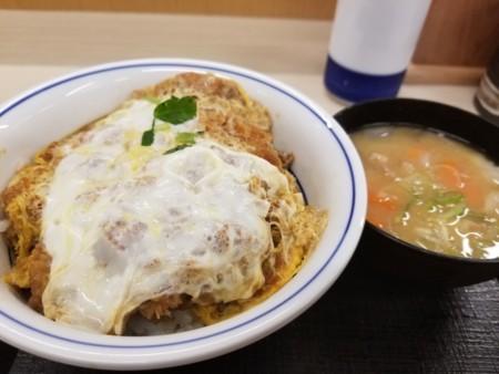 2017/11/15 夜 カツ丼(梅)と豚汁(小)@かつや