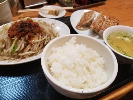 2017/11/27 夜 野菜炒め定食@台湾ぎょうざ