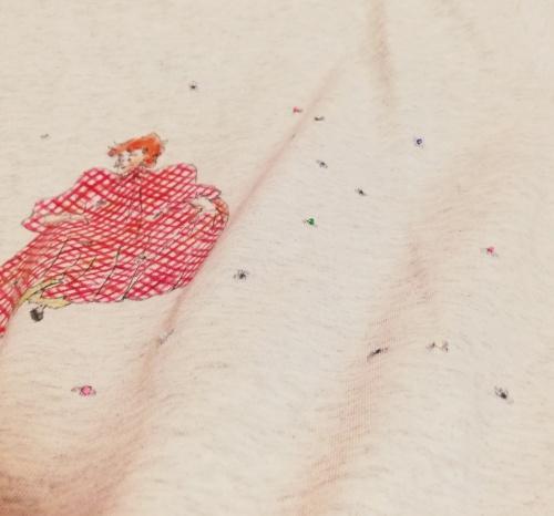 わさわさダンスTシャツにハマナカのビーズ縫い付けてみた
