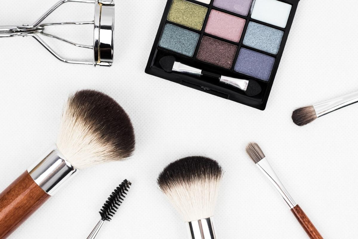 コスメ、化粧品、年齢、贅沢