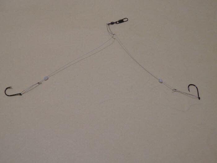 タチウオ用ワイヤー仕掛け(水平2本針仕掛け)の出来上がった写真