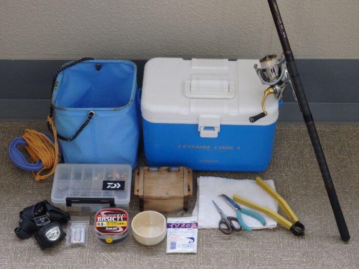 メバルのウキ釣りをするときに持って行く道具の写真