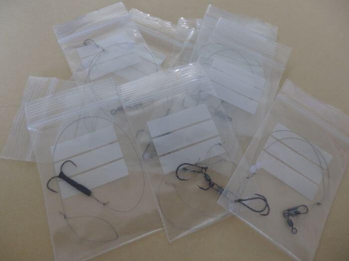自作したタチウオ用ワイヤー仕掛けを集めた写真