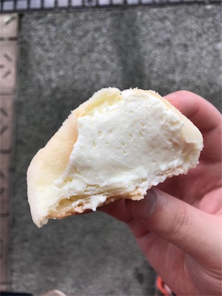 ローソン モアホボクリム-ほぼほぼクリームのシュー-