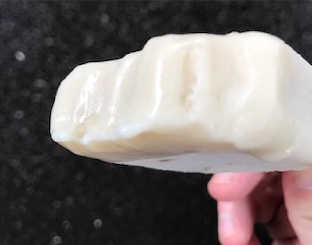 バナナを冷凍したようなもっちり食感アイスバー