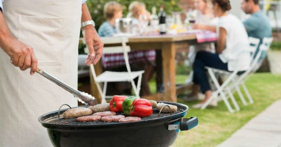 https://www.lifehack.org/446316/6-sure-fire-ways-to-eat-healthy-at-a-bbq-tips-from-fitness-experts