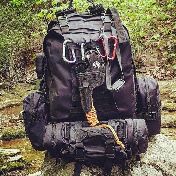https://ravensurvivalstore.com/collections/bags/products/3-day-operators-bug-out-bag-style-molle-hydration?variant=35516657617